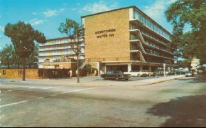 Hotels -- Downtowner Motor Inn